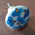 DK001BF-Door-knob-blue-flower-01
